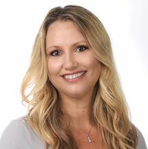 Elise Wolf Corporate Headshot 2018